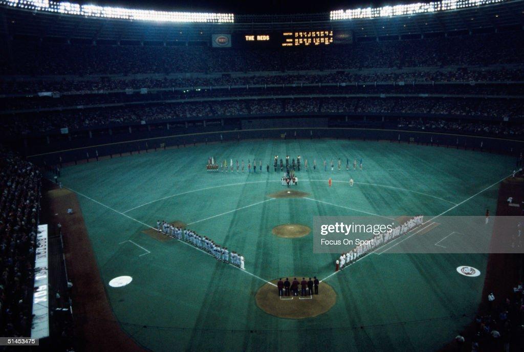 World Series Game 3 - Boston Red Sox v Cincinnati Reds : News Photo