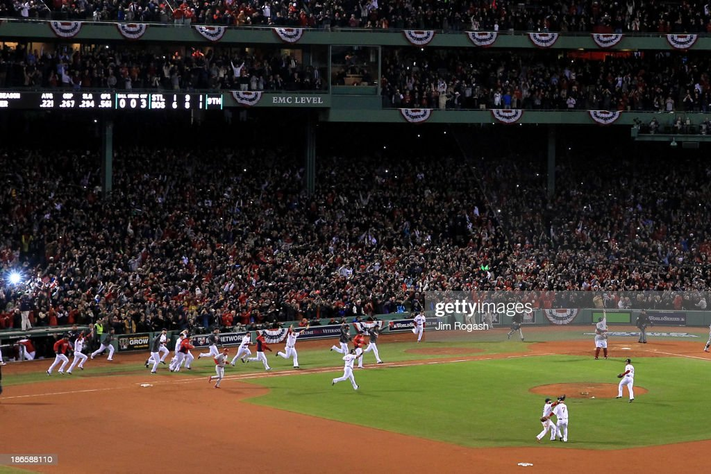 World Series - St Louis Cardinals v Boston Red Sox - Game Six : News Photo