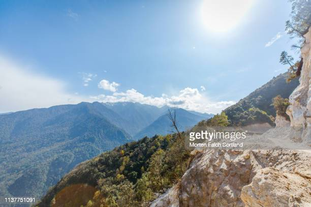 the boundless beauty of nature in trongsa, bhutan - trongsa district stockfoto's en -beelden