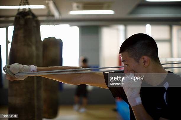 The boxer who trains with rubber
