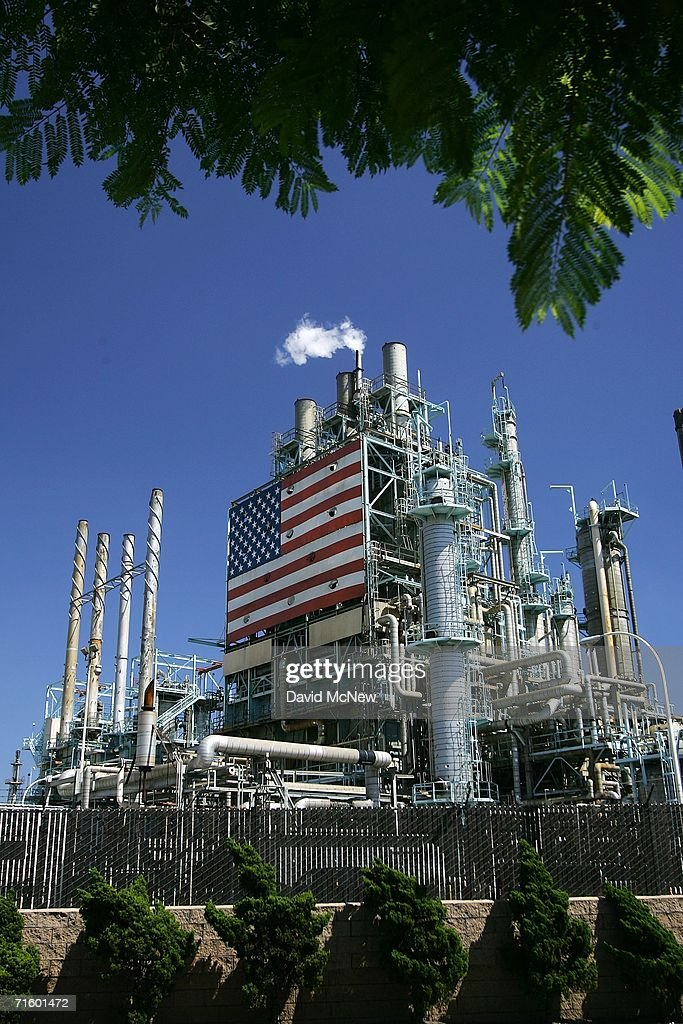 The BP West Coast Products LLC Carson oil refinery on August