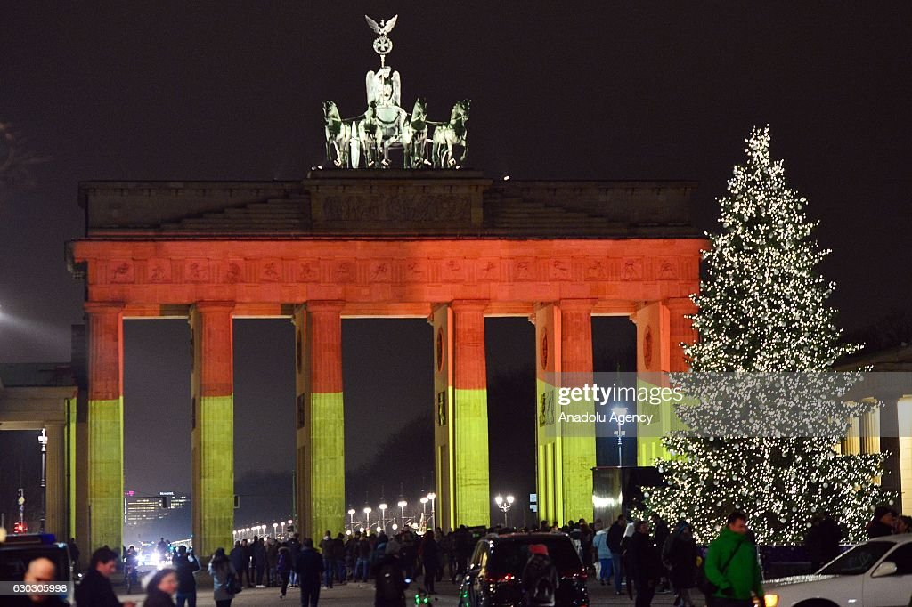 The Brandenburg Gate illuminated  after Christmas market attack : News Photo