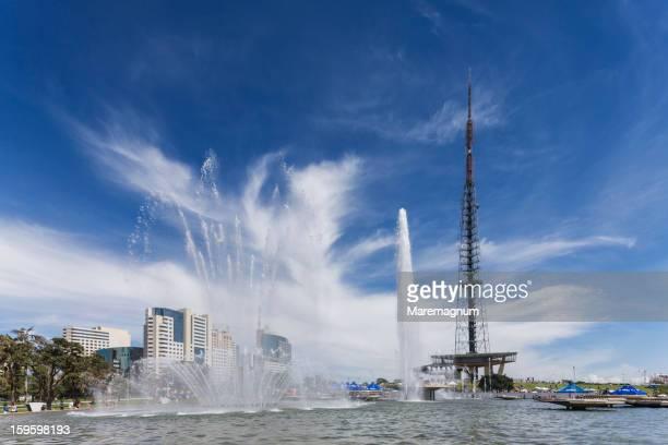 the brasilia tv tower - brasilia photos et images de collection