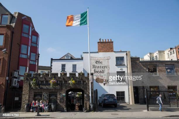 The Brazen Head in Merchants Quay on 07th April 2017 in Dublin Republic of Ireland The Brazen Head pub dates back to 1198 Dublin is the largest city...