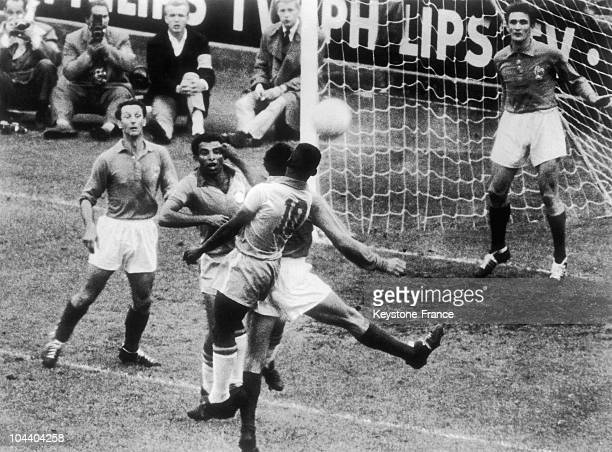 The Brazilian forwards VAVA and PELE struggling with the French defense on the semifinals of the soccer World Cup in Stockholm Robert JONQUET and...