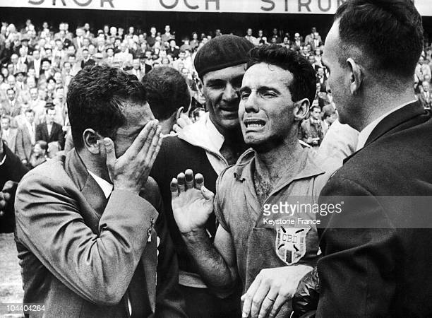 The Brazilian left winger Mariao ZAGALLO weeping for joy after the victory of his team on that of Sweden The finals of the soccer World Cup was...