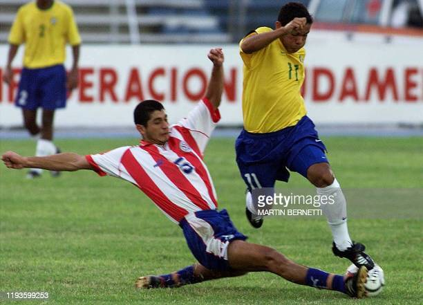 The Brazilian player Marcio da Silva and the Paraguayan Pedro Benitez are playing a match counting towards the XX South American Football...