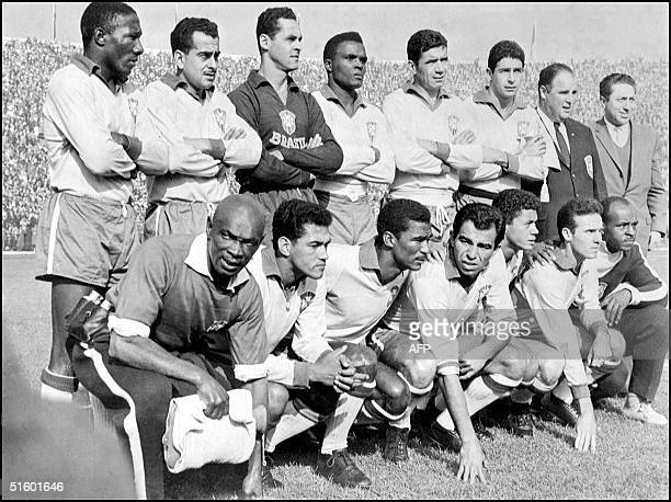 The Brazilian soccer team poses for a picture 17 June 1962 in Santiago Chile before the final match of the World Cup where Brazil defeated...