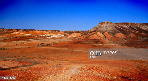 the breakaways in outback australia - coober pedy foto e immagini stock