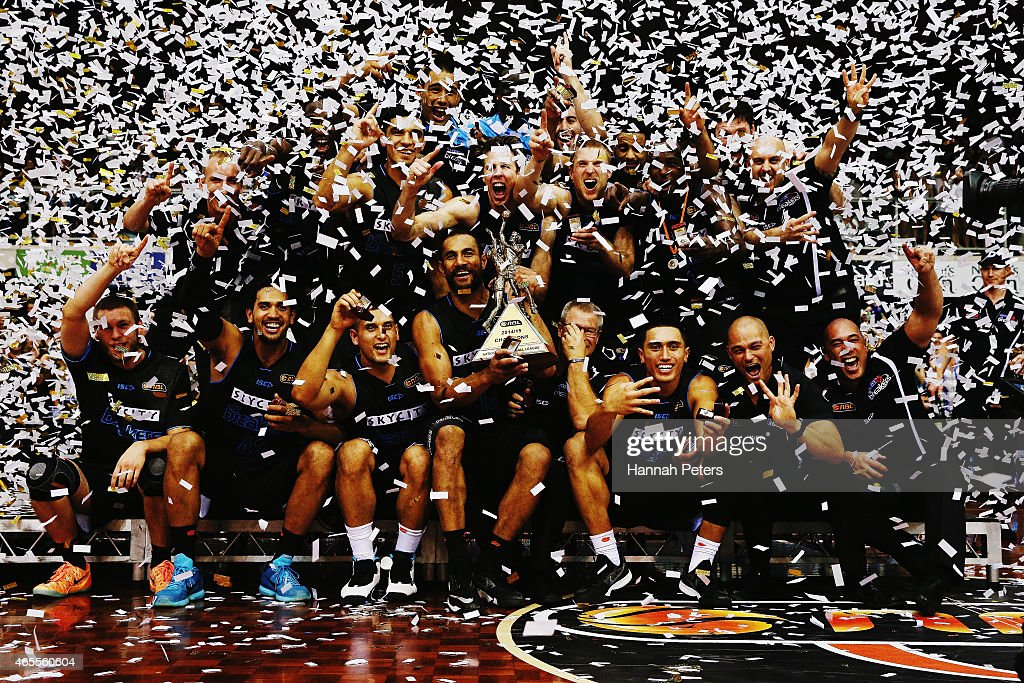 The Breakers celebrate after winning game two of the NBL Grand Final series between the New Zealand Breakers and the Cairns Taipans at North Shore Events Centre on March 8, 2015 in Auckland, New Zealand.
