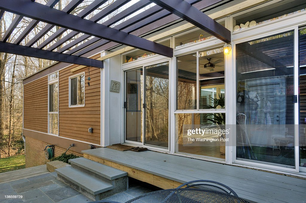 The Breezeway Between The House And Garage On This Mid Century