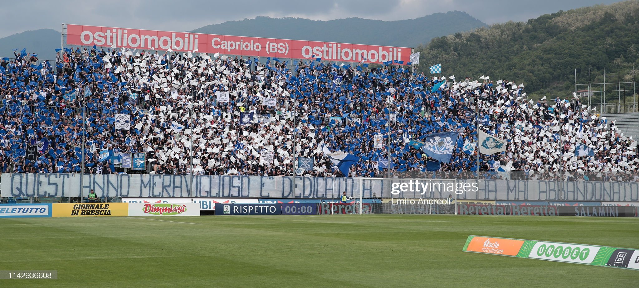the-brescia-calcio-fans-show-their-support-during-the-serie-b-match-picture-id1142936608?s=2048x2048