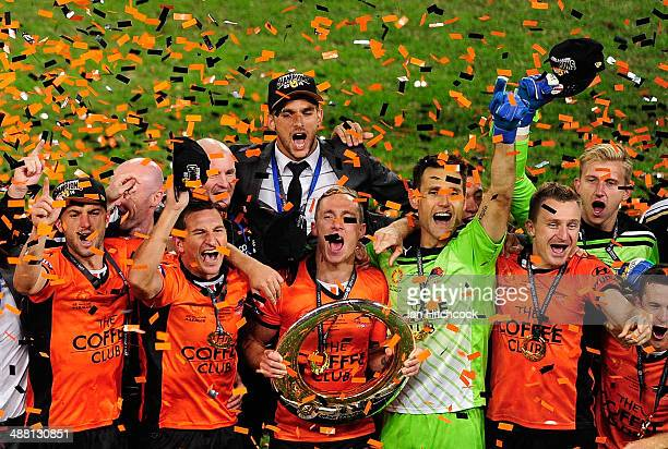 The Brisbane Roar celebrate after winning the 2014 A-League Grand Final match between the Brisbane Roar and the Western Sydney Wanderers at Suncorp...