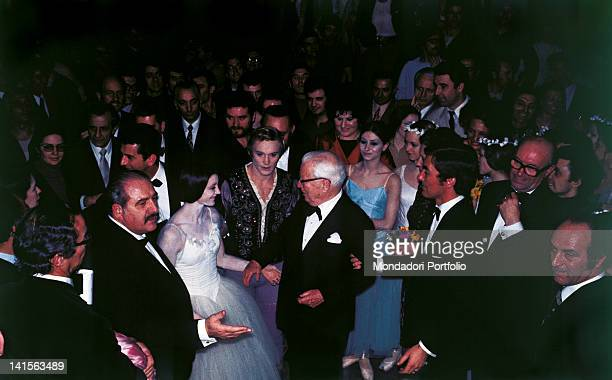 The British actor and film director Charlie Chaplin guest at La Scala Theatre meets the lead dancers of the ballet 'Giselle' the Italian Carla Fracci...