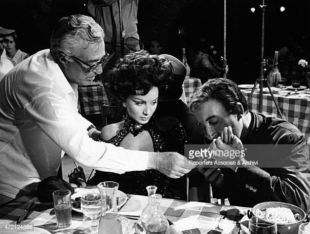 The British actor Peter Sellers and the Italian actress Maria Grazia Buccella are playing in a scene of the film After the Fox directed by Vittorio...