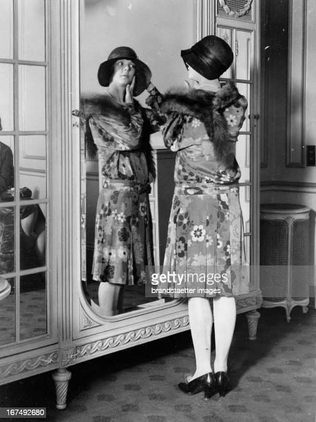The british actress Jessie Matthews About 1937 Photograph Die britische Schauspielerin Jessie Matthews Um 1937 Photographie