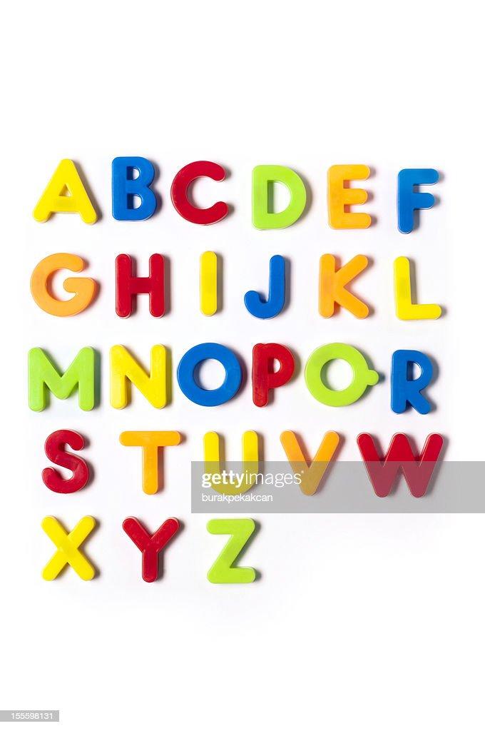 British alfabeto de letras em plástico personagens-brinquedo, fundo branco : Foto de stock