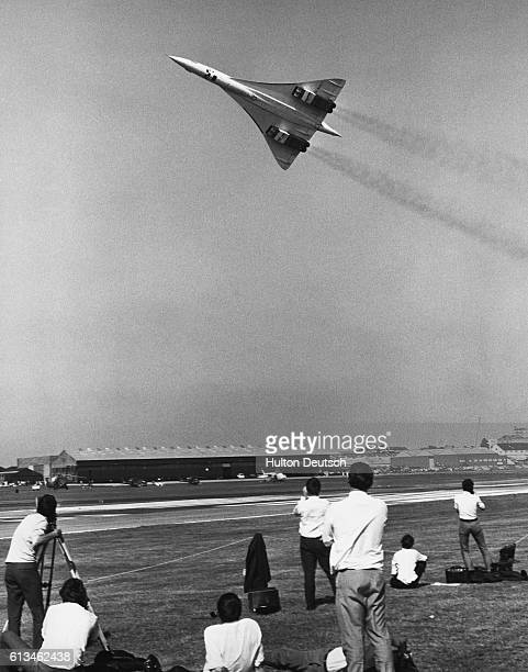 The BritishFrench supersonic airliner Concorde debuts during the preview of the Farnborough Air Show