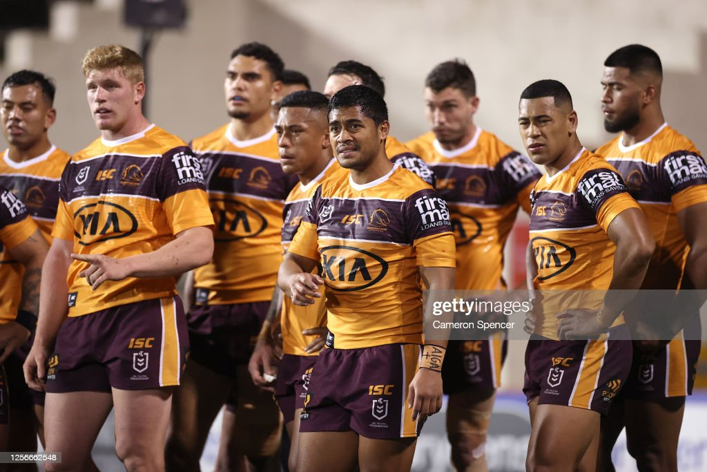 NRL Rd 10  - Tigers v Broncos : News Photo