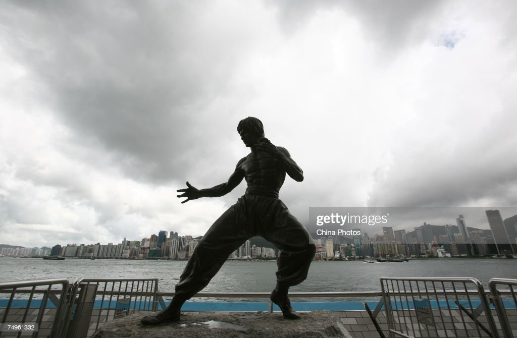 Bruce Lee Statue At Avenue Of Stars In Hong Kong : News Photo