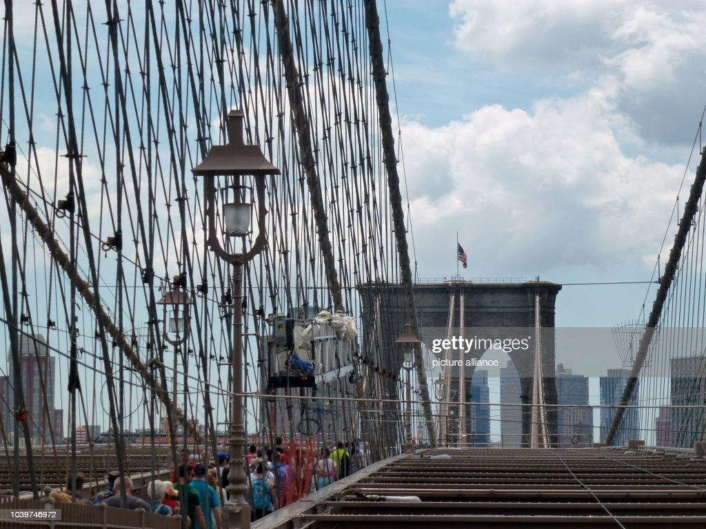 USA - New York City - Brooklyn Bridge Pictures | Getty Images