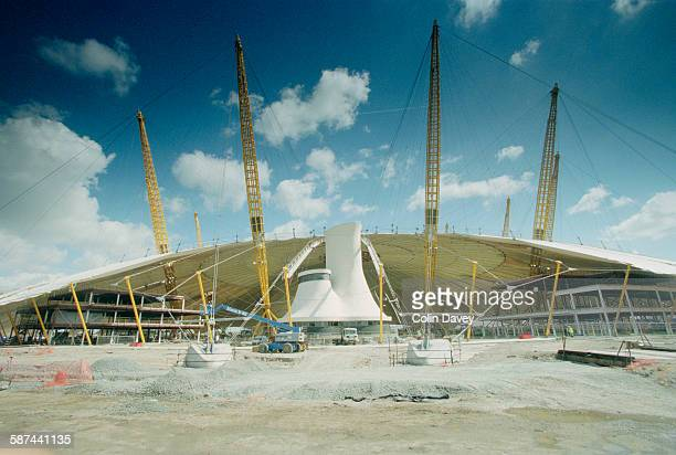 The builder's rite of 'topping out' takes place as the Millennium Dome reaches completion London 22nd June 1998