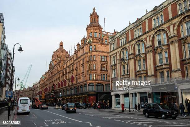 The building with Harrods department store stands on Brompton Road on November 24 2017 in London England The American actress Meghan Markle will live...