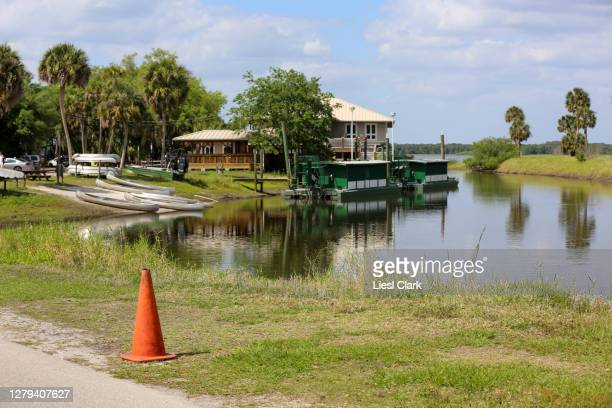 the buildings and facilities at myakka river state park, fl - florida us state stock pictures, royalty-free photos & images