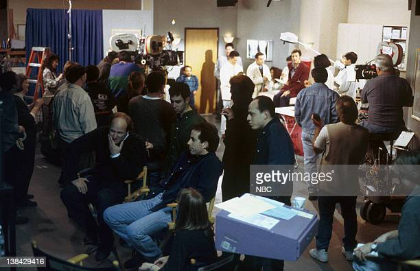 SEINFELD 'The Burning' Episode 16 Pictured Jerry Seinfeld with cast and crew