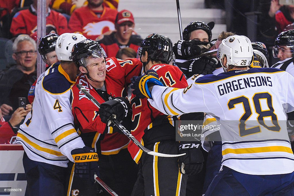Buffalo Sabres v Calgary Flames : News Photo