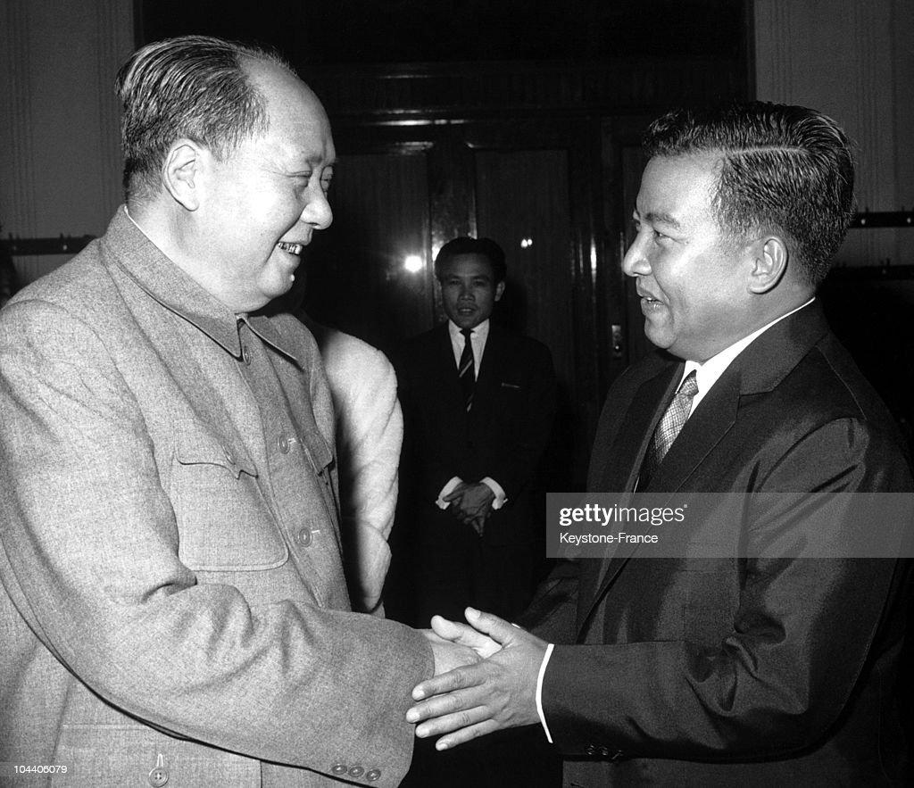 Mao Tse Tung And Norodom Sihanouk 1964 : News Photo