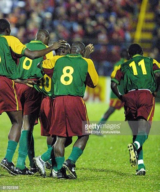 The Camerun soccer team celebrate a goal 11 January 2002 in Alajuela Costa Rica Seleccionados de Camerun celebran el 11 de enero de 2002 luego de...