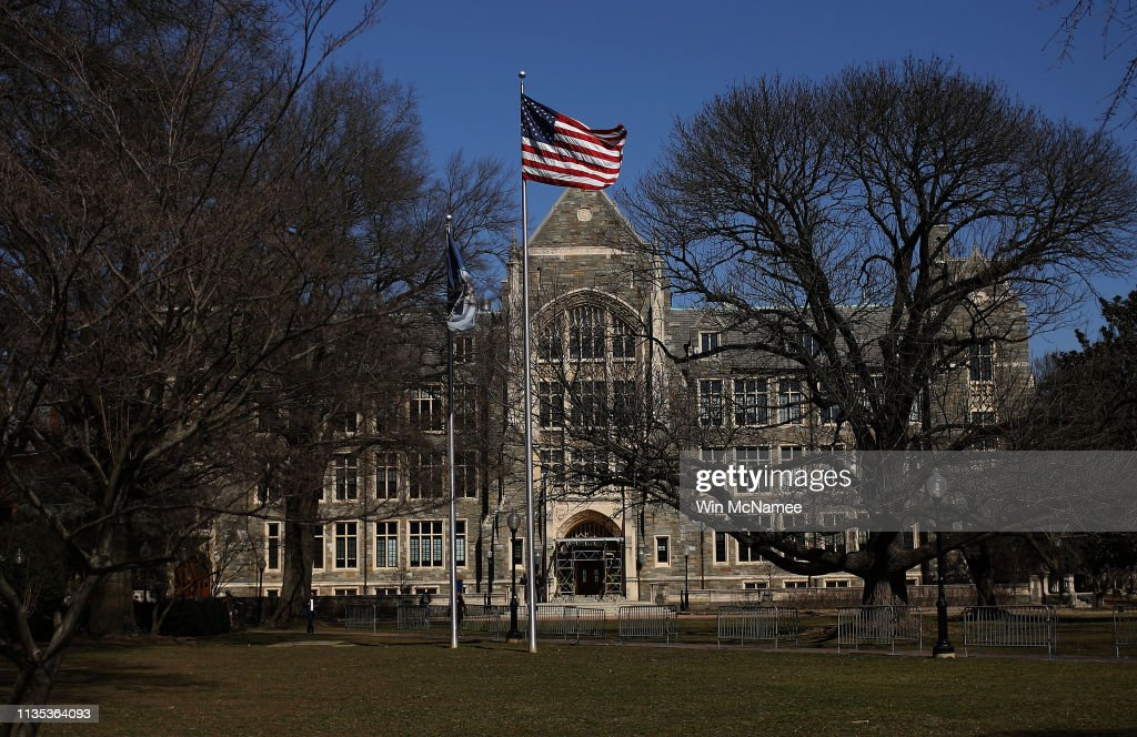 More Than 30 People Charged  In Elite College Entry Bribery Scheme : News Photo