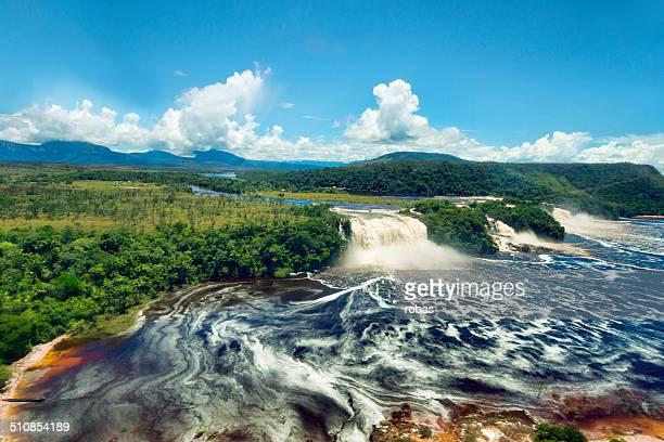 saltos de la laguna de canaima visto desde el avión, canaima np, venezuela - paisajes de venezuela fotografías e imágenes de stock