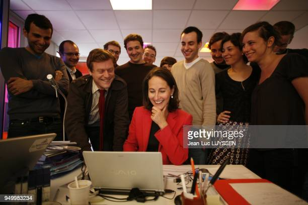 The candidate during meeting with Netscouade's team directed by Benoit Thieulin with the righthand side of Segolene Royal