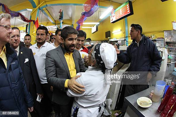 The candidate for the next elections in Ecuador 'Dalo' Bucarán of the movement 'Fuerza Ecuador' visited the popular market in Santa Clara where he...