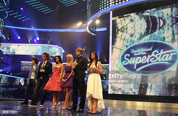 The candidates present themselves to the audience at the start of the rehearsal for the singer qualifying contest DSDS 'Deutschland sucht den...