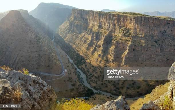 the canyon near rowanduz, iraqi kurdistan - irak stock-fotos und bilder