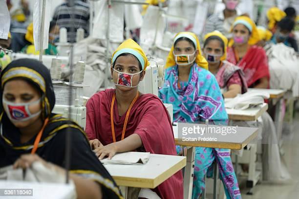 the capital city of dhaka - bangladesh stock-fotos und bilder