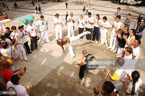 """The """"Capoeira"""" is most Brazilian terms of physical activity, since it is a struggle created in Brazil by slaves from Africa. """"Capoeira"""" abroad is..."""