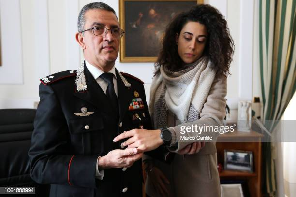 The Carabinieri show the antiviolence smartwatch to protect women from aggression In the day dedicated to violence against women Simply it is a clock...