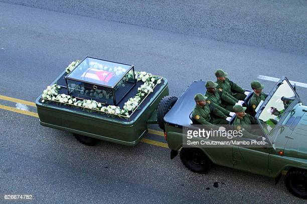 The caravan carrying the ashes of late Fidel Castro is driving along the Malecon waterfront on November 30 in Havana Cuba Castros remains will be...