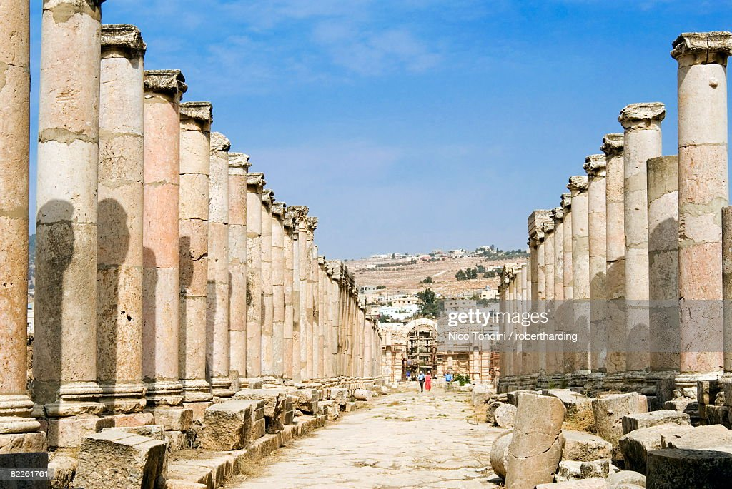 The Cardo, North Colonnaded Street, Jerash (Gerasa) a Roman Decapolis city, Jordan, Middle East : Stock Photo