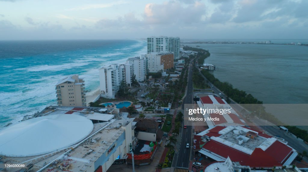 Sunrise In Cancun On New Year's Day : News Photo