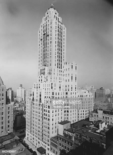 The Carlyle Hotel at 35 East 76th Street in the Upper East Side New York City circa 1950 It was built in the Art Deco style