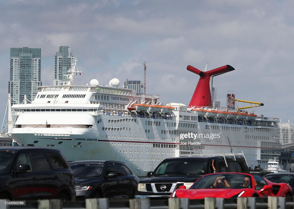 FL: Carnival Cruise Ships Continue To Pollute Oceans Despite Felony Conviction