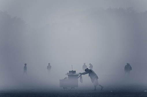 The Cart in the Fog - gettyimageskorea
