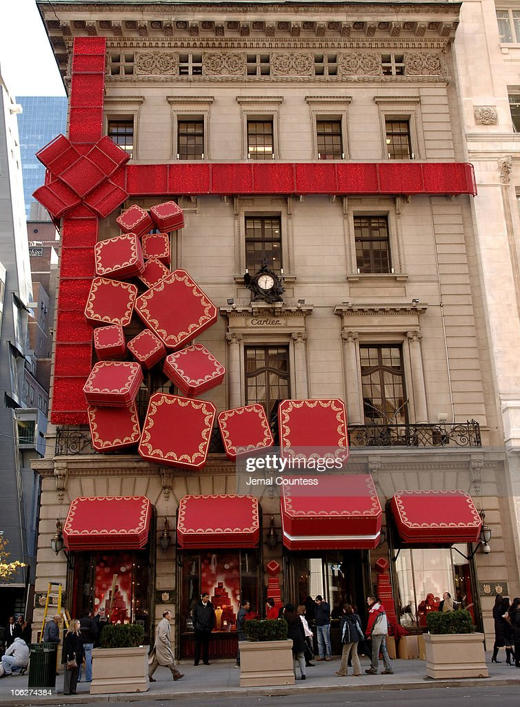 The Cartier Boutique wrapped in the illuminated Red Bow