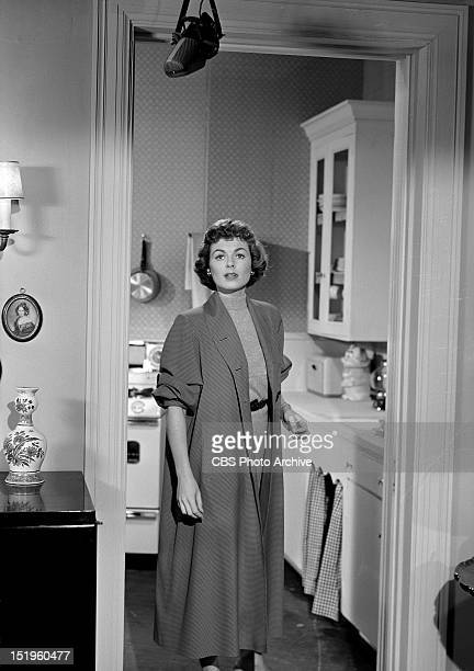 MASON 'The Case of the Crimson Kiss' Della Street played by Barbara Hale Image dated April 24 1957