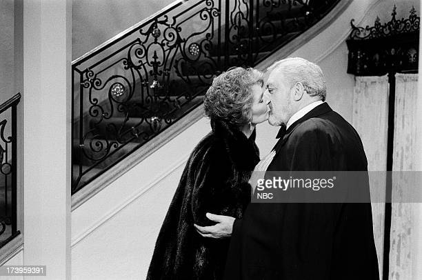 MASON The Case of the Lost Love Pictured Jean Simmons as Laura Robertson Raymond Burr as Perry Mason